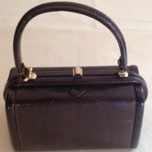 Elegant vintage lizard box bag with details. Made in italy
